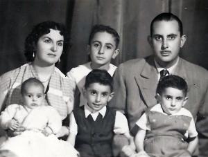 padres y 4 hijos_31_mayo_55